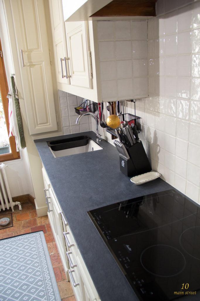 Remplacement du plan de travail, de l'évier et peinture des joints de carrelage