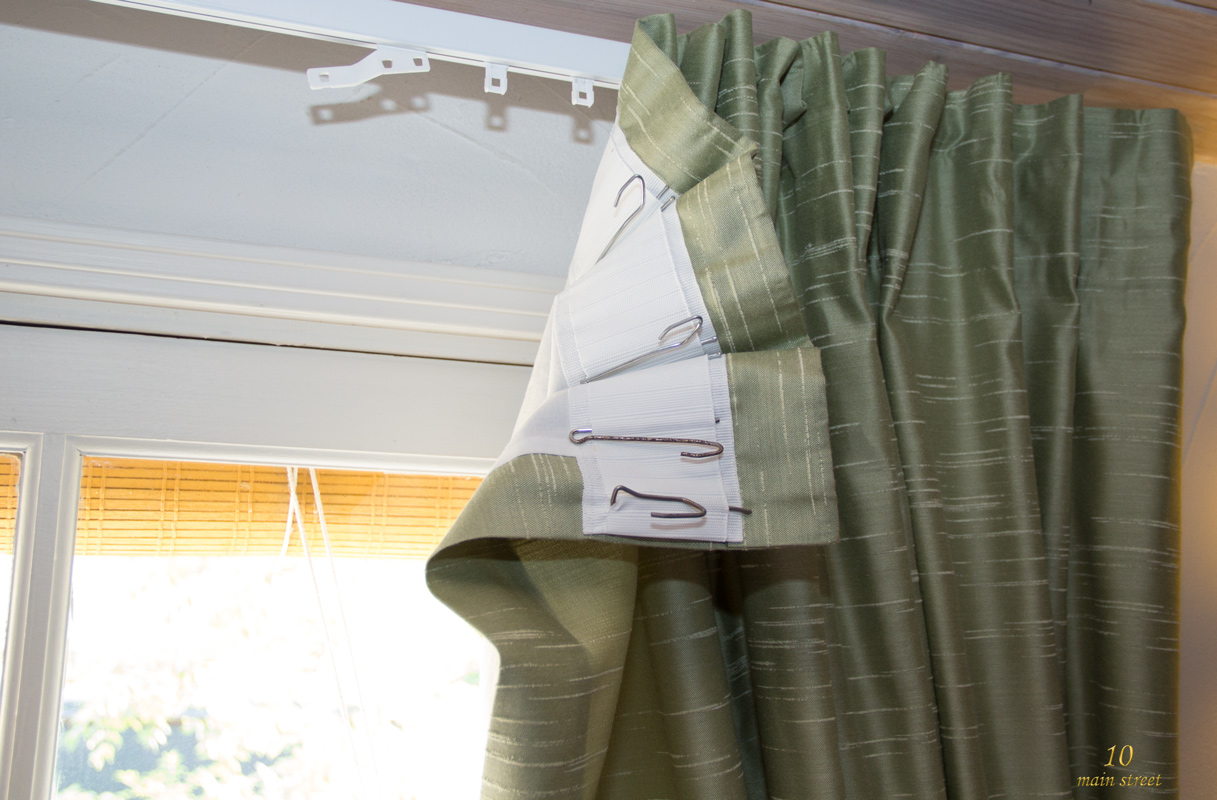 Des rideaux pour une fen tre trop petite dans le salon vid o - Ruflette vague pour rideaux ...