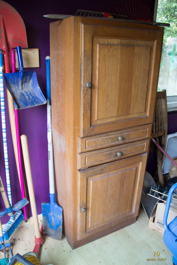 L'armoire usée avant relooking