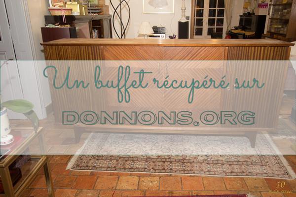 Un buffet récupéré sur Donnons