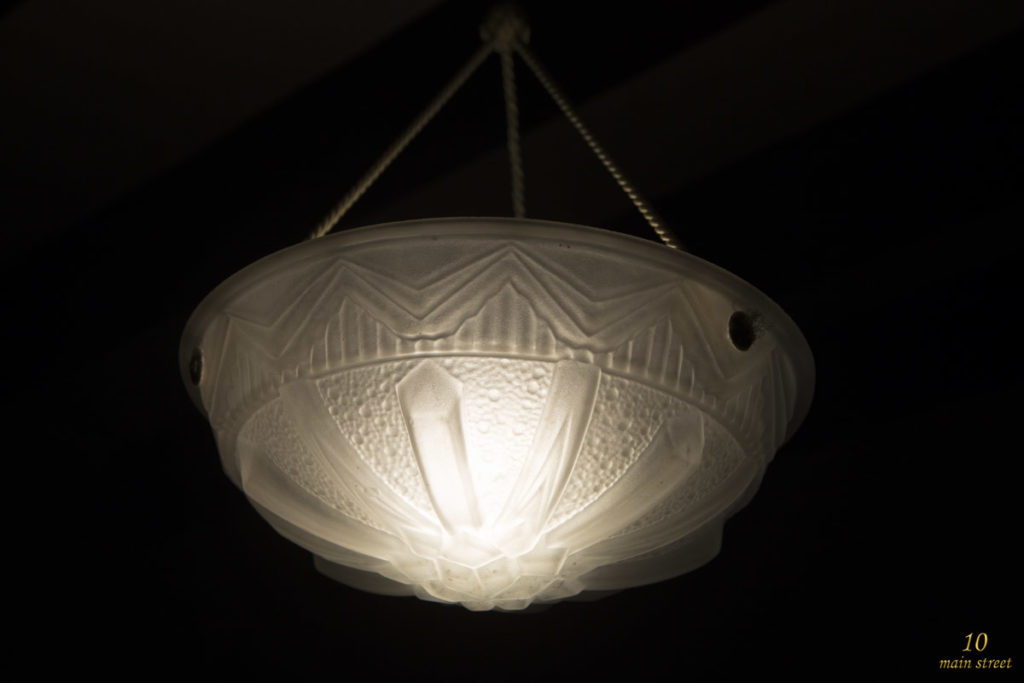 Lustre vasque art-déco avec ampoule LED Philips