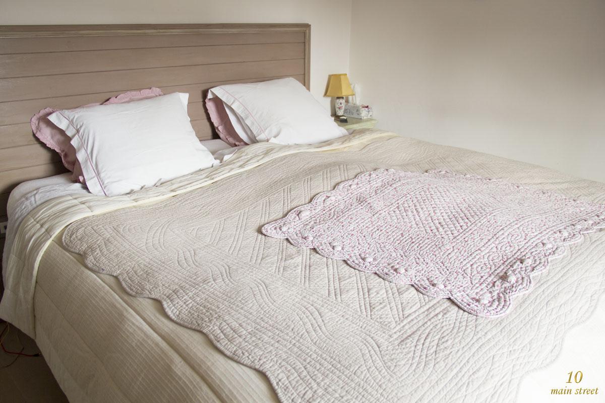 Entre ancien et moderne savoir choisir du linge de lit for Lit qui gratte