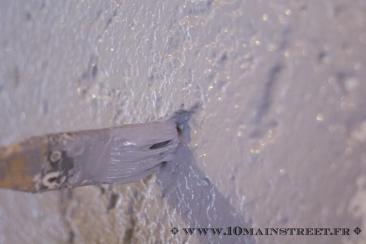 Peindre un mur cr pi l 39 int rieur de votre maison facilement - Peindre du crepi interieur ...
