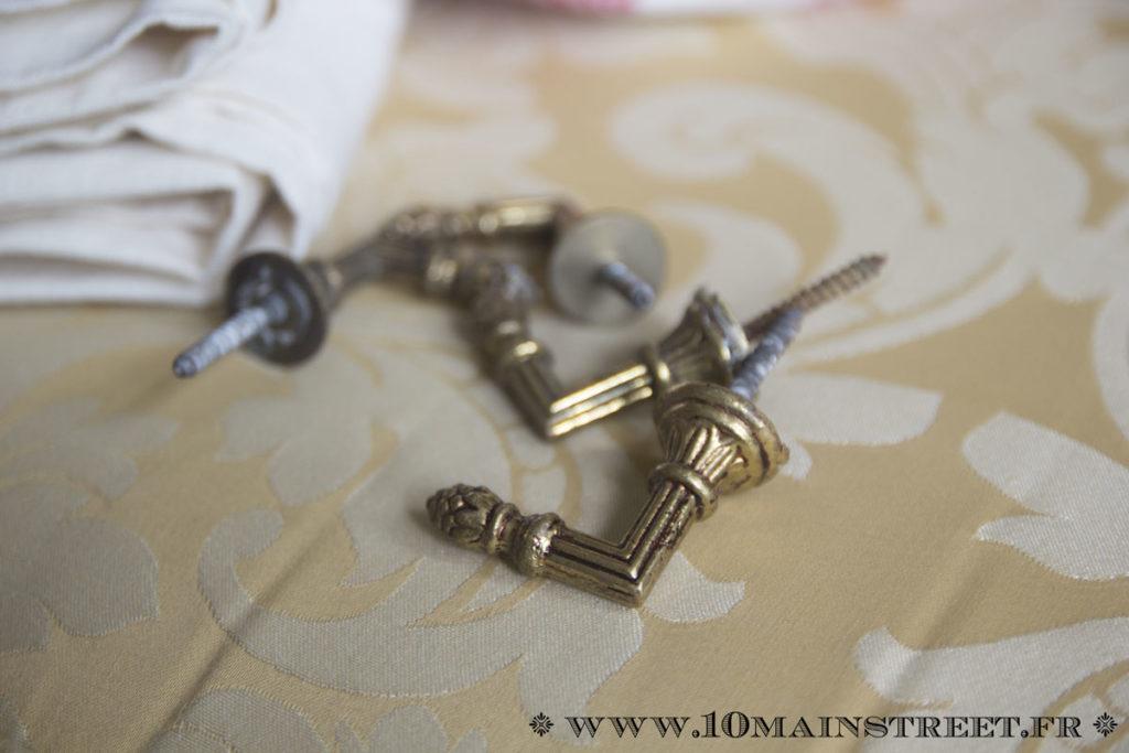 Crochets pour embrasses à rideaux en laiton