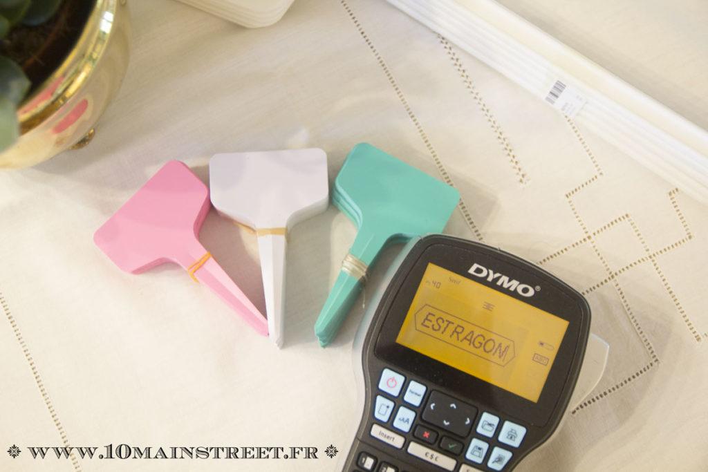 Marquage des étiquettes avec l'étiqueteuse Dymo