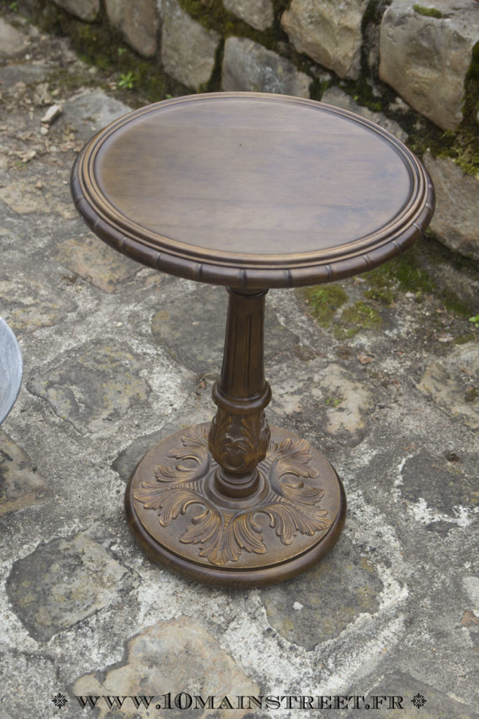Guéridon de style Louis XVI en chêne