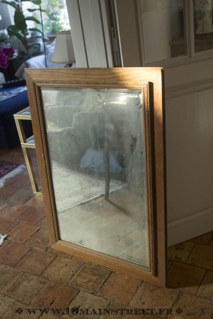 Vieux miroir pour la cheminée du salon