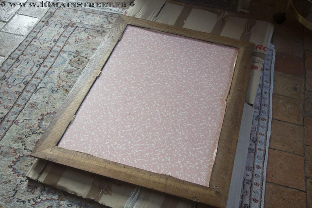 Dos du miroir couvert de vinyle rose