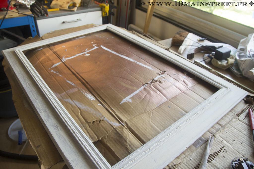 Couche de blanc à plafond mat