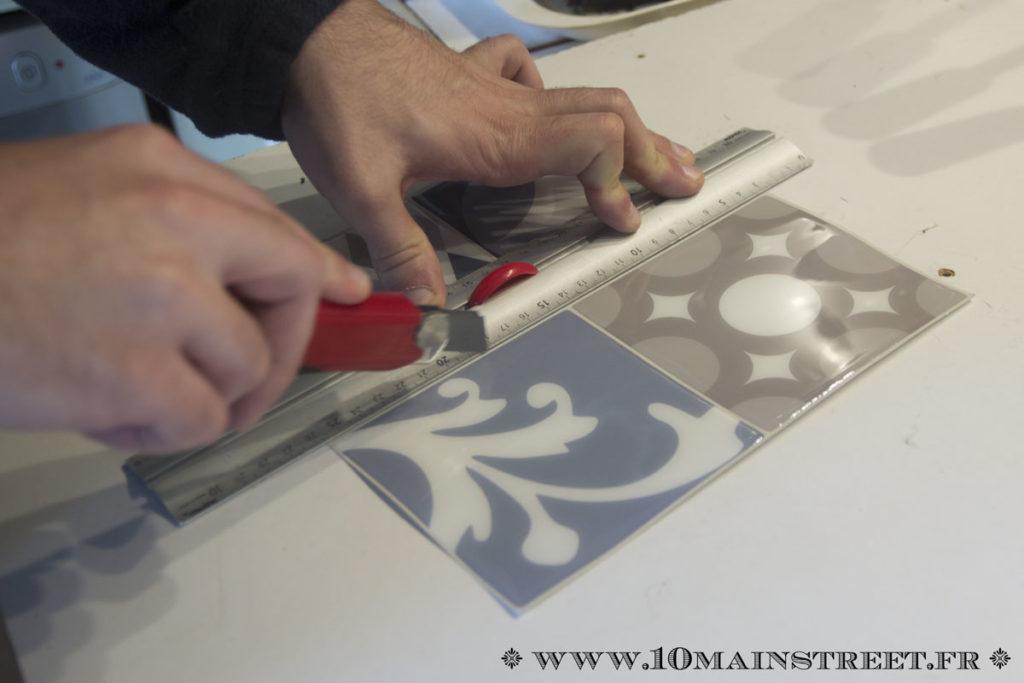 Découpe des Smart Tiles au cutter