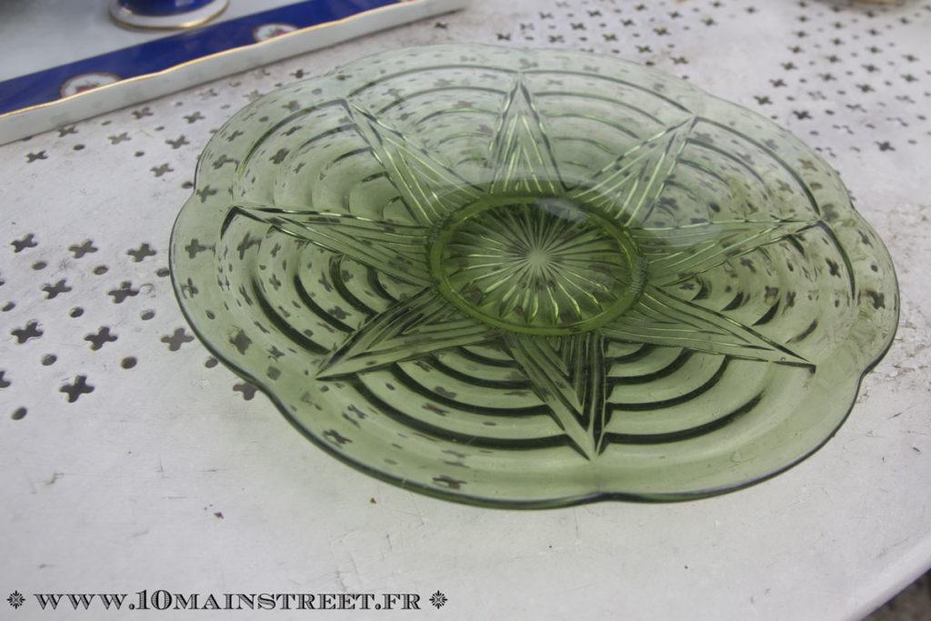 Coupe art-déco en verre moulé