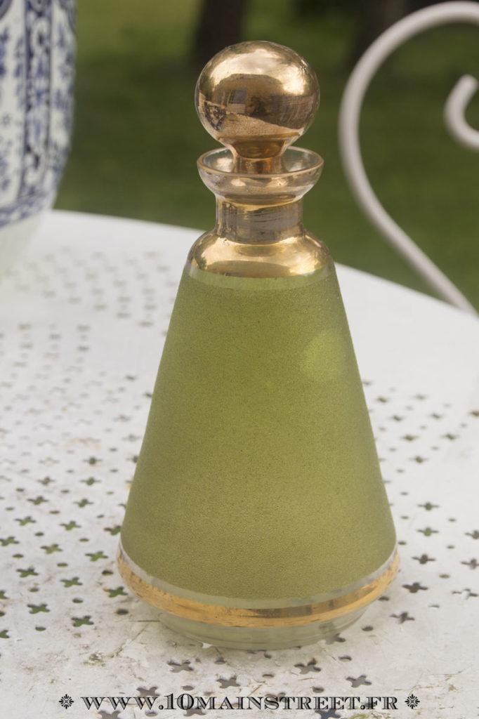Carafe vert et or des années 1950