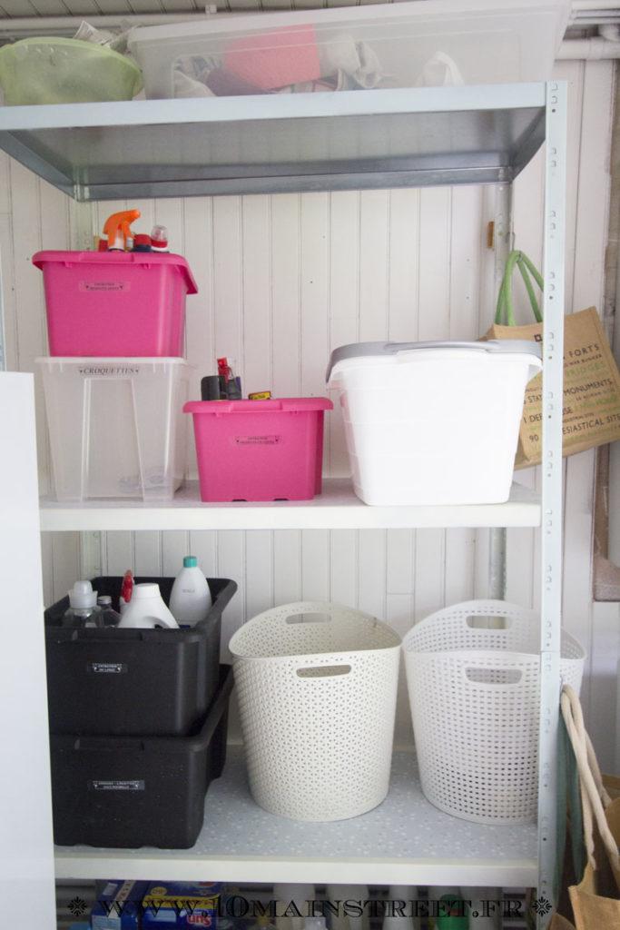 L'étagère customisée de la buanderie