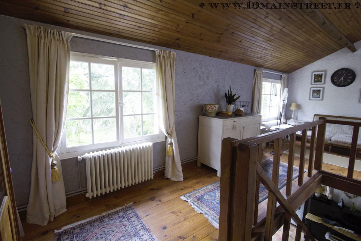 Rénovation salle de bain : peinture du lambris et de la porte