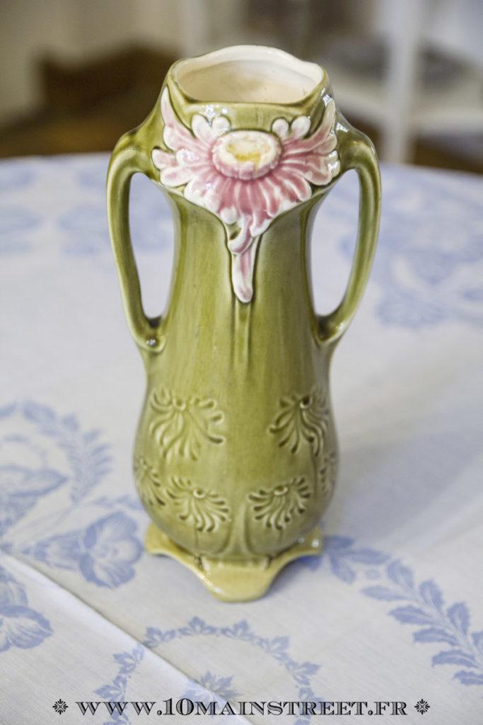 Vase en barbotine du nord art-nouveau