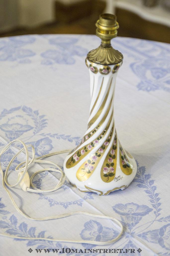 Pied de lampe en porcelaine de Limoges style 1900