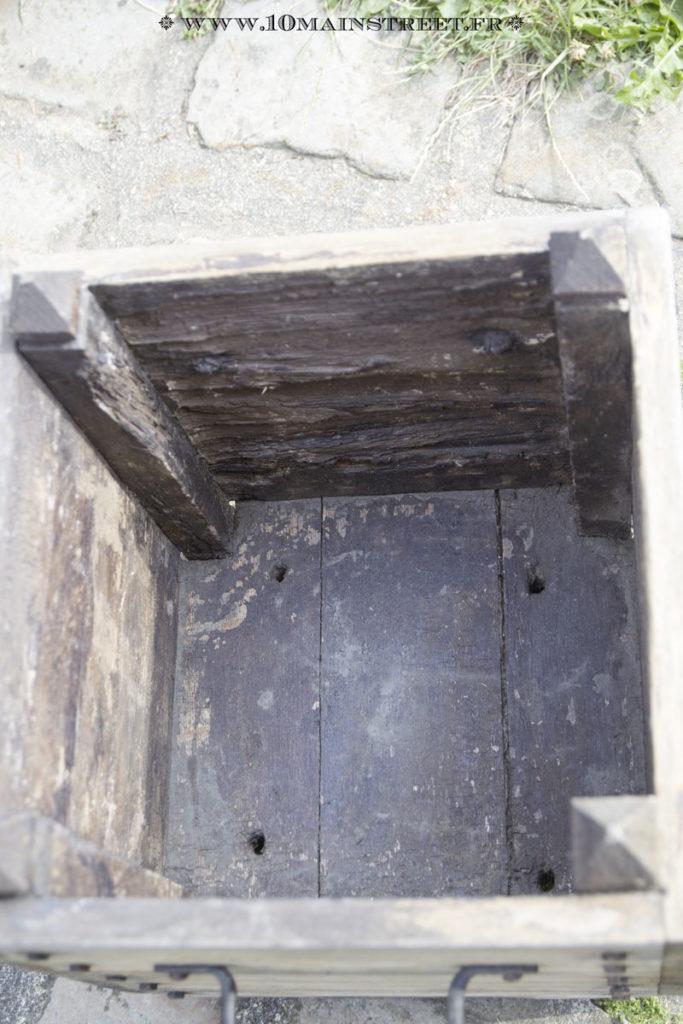 Intérieur du pot carré très abîmé