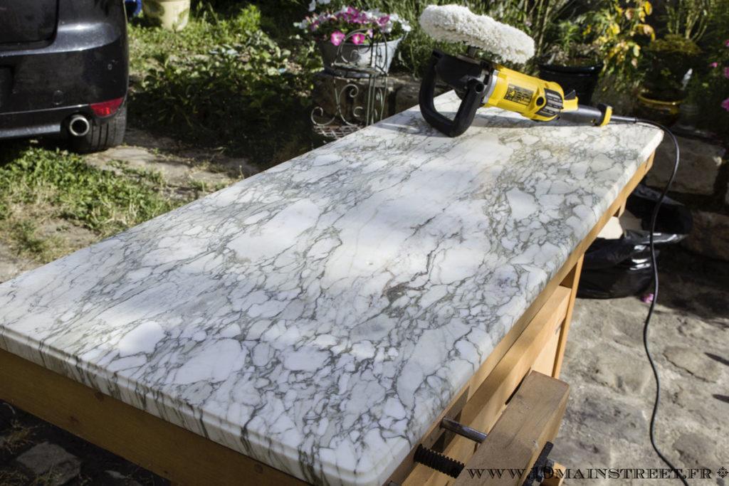 Plateau en marbre après le passage de la polisseuse