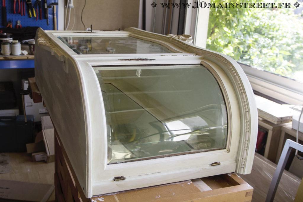 Traitement du haut du vaisselier