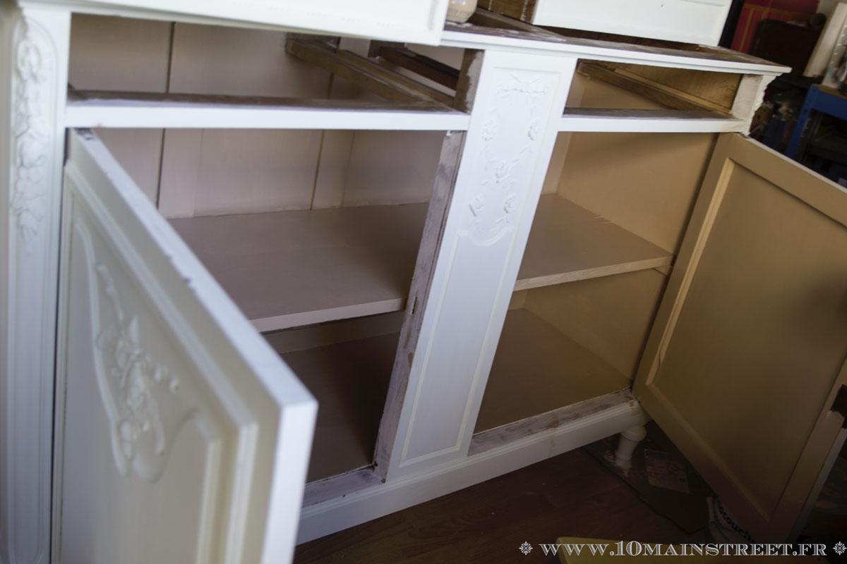 Le Vaisselier à relooking du vaisselier des années 1920 pour la salle à manger