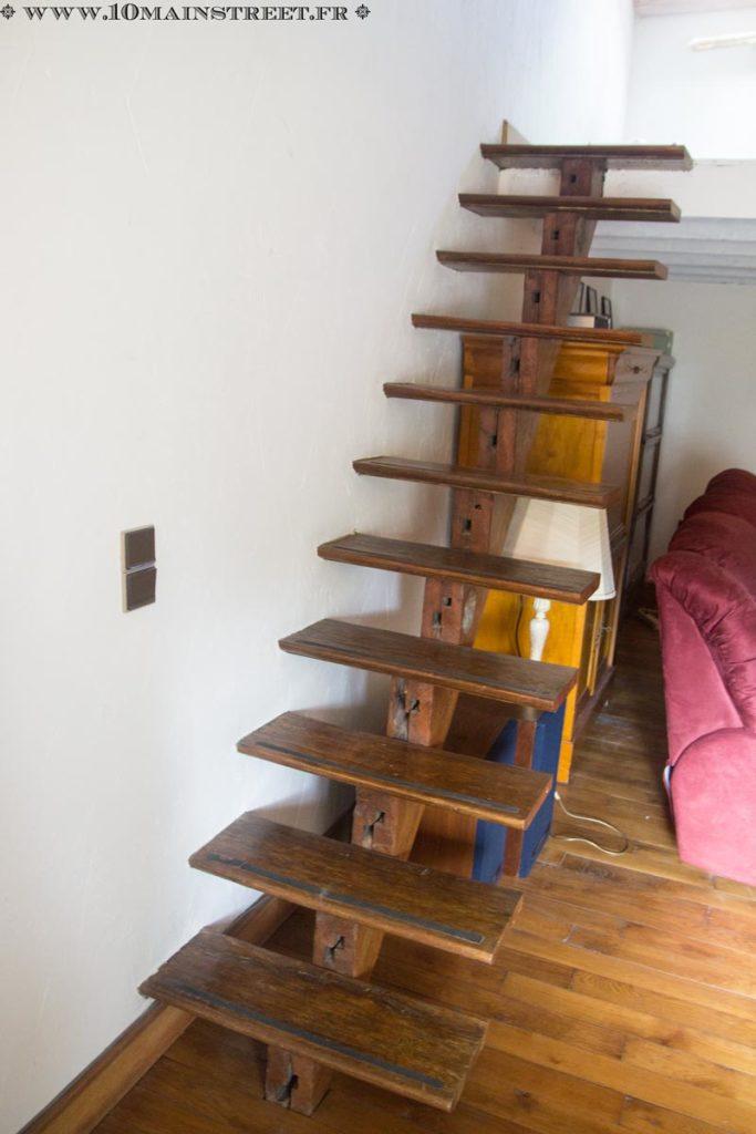 Le vieil escalier à retaper