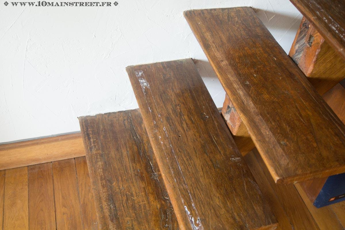 Un Vieil Escalier Metamorphose A La Peinture Dans Le Salon Video