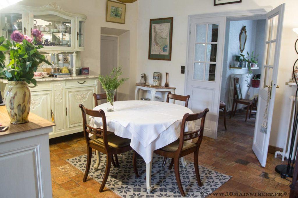 La salle à manger avant