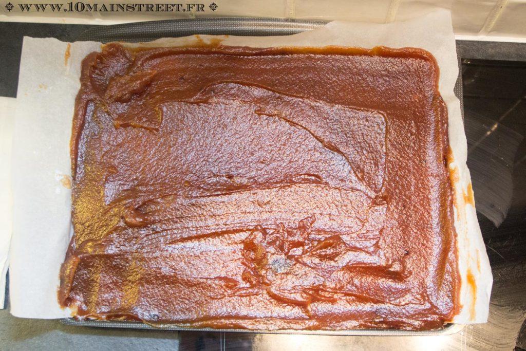 La feuille de cuisson facilite le démoulage