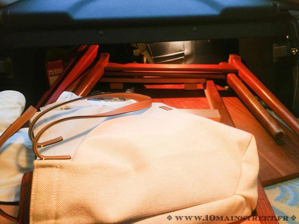 Table Baumann dans le coffre du coupé