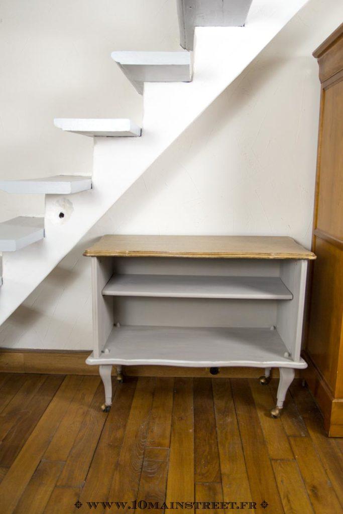 Meuble de rangement sous l'escalier