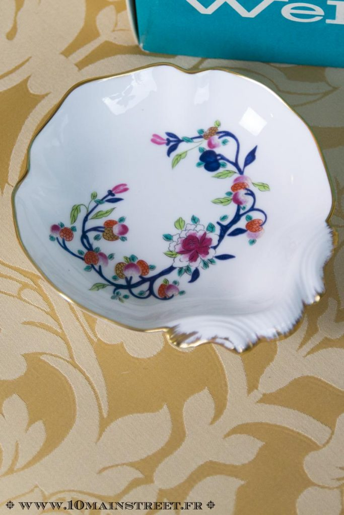 Porte-savon en porcelaine de Limoges