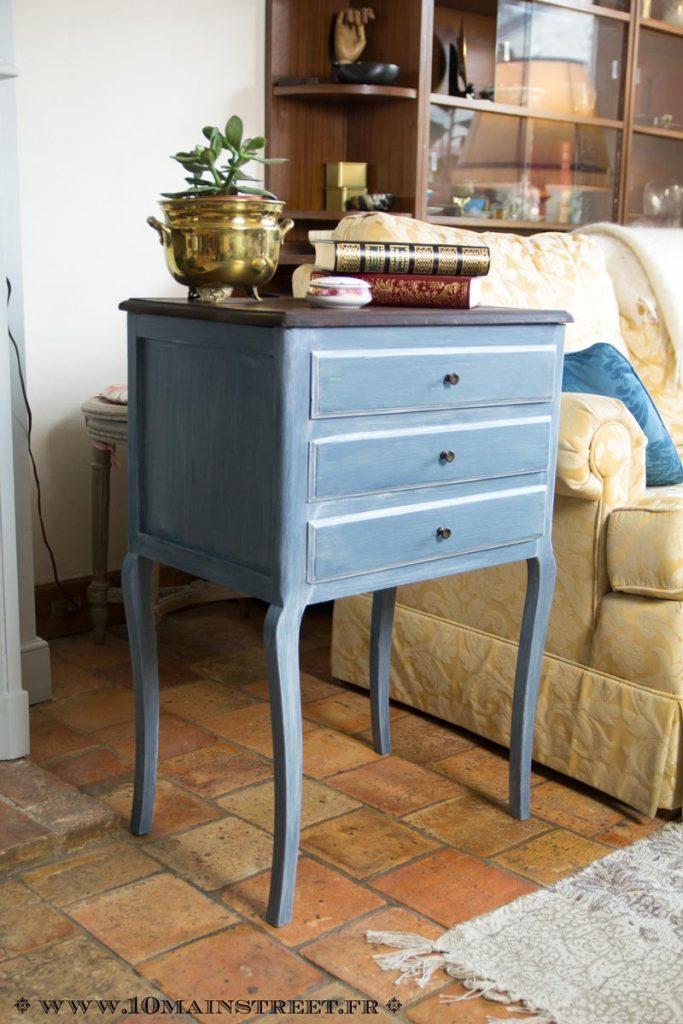 Bout de canapé à tiroirs relooké avec les produits ID Paris