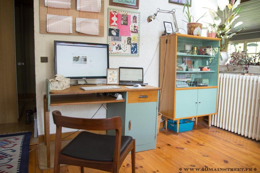 Nouvelle configuration avec mon bureau vintage des années 1950