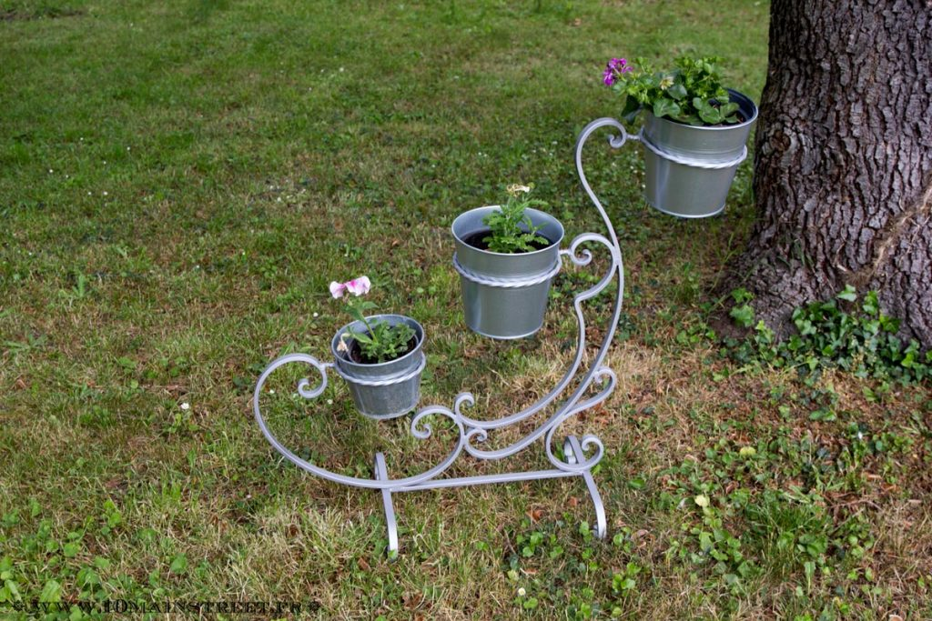 Support garni de plantes