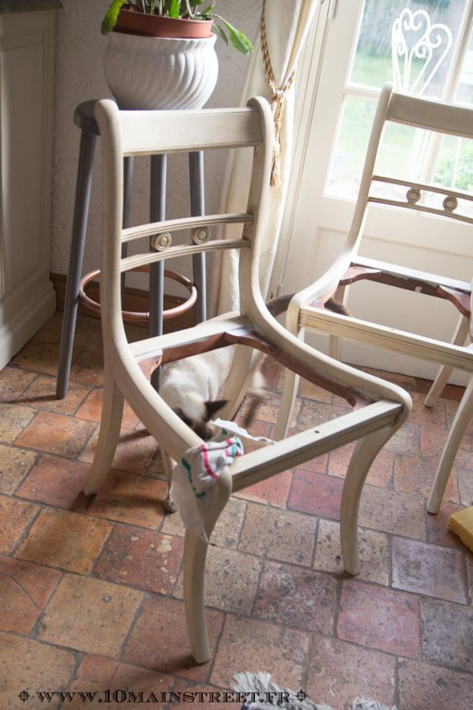 Carcasse de chaise patinée