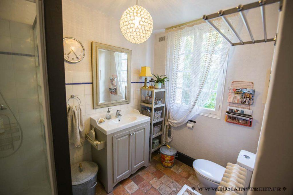La salle de bain pailletée