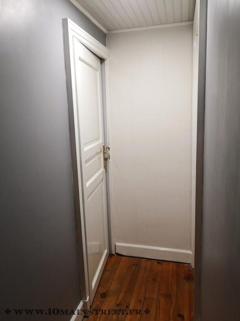 Porte peinte en blanc brillant
