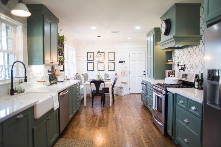 jolies cuisines dans fixer upper total renovation 10 main street. Black Bedroom Furniture Sets. Home Design Ideas