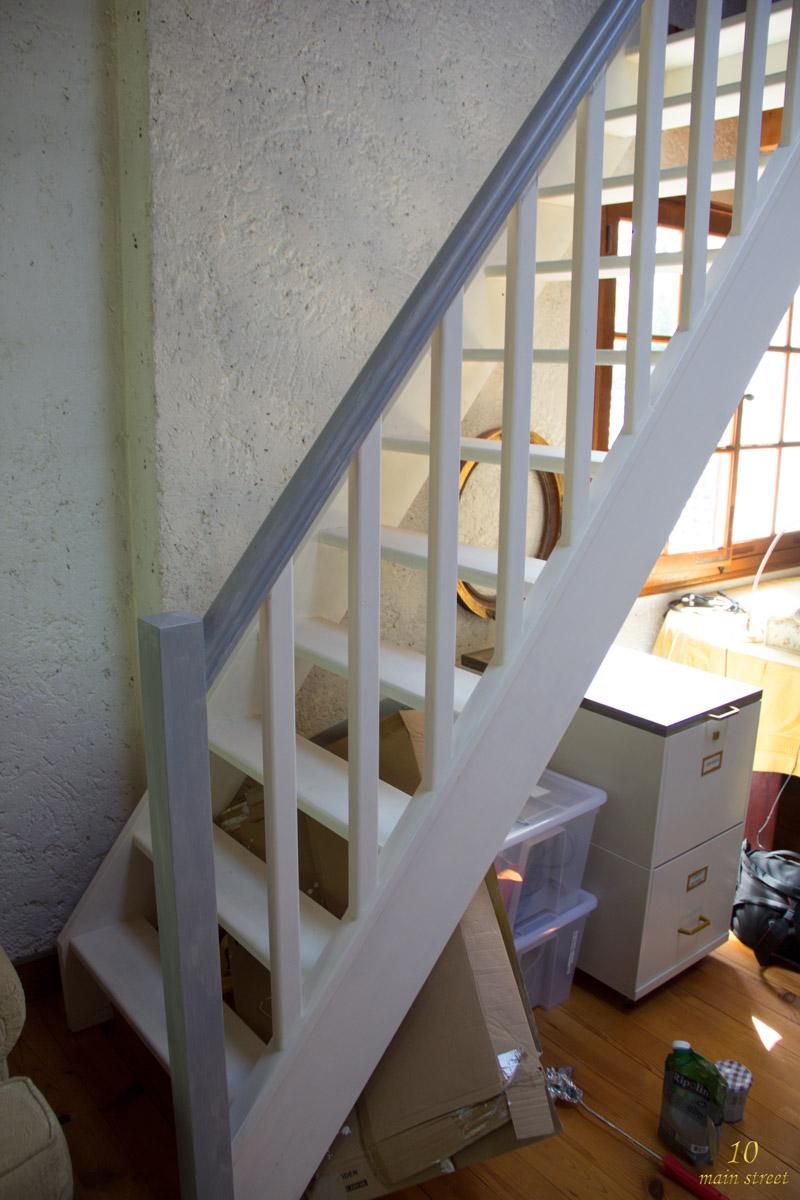 Peindre Un Escalier En Gris des nouvelles du bureau : peinture de l'escalier de la mezzanine