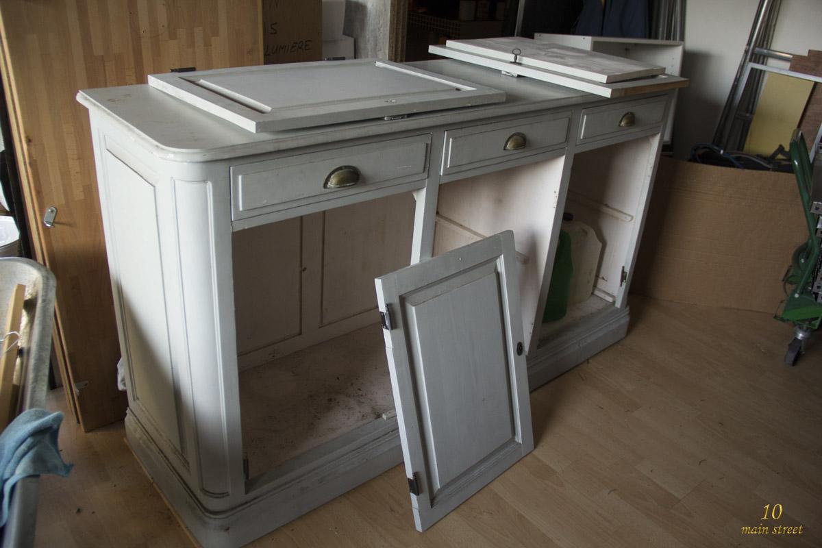 r novation d 39 un buffet comptoir ab m par des ann es l 39 ext rieur. Black Bedroom Furniture Sets. Home Design Ideas