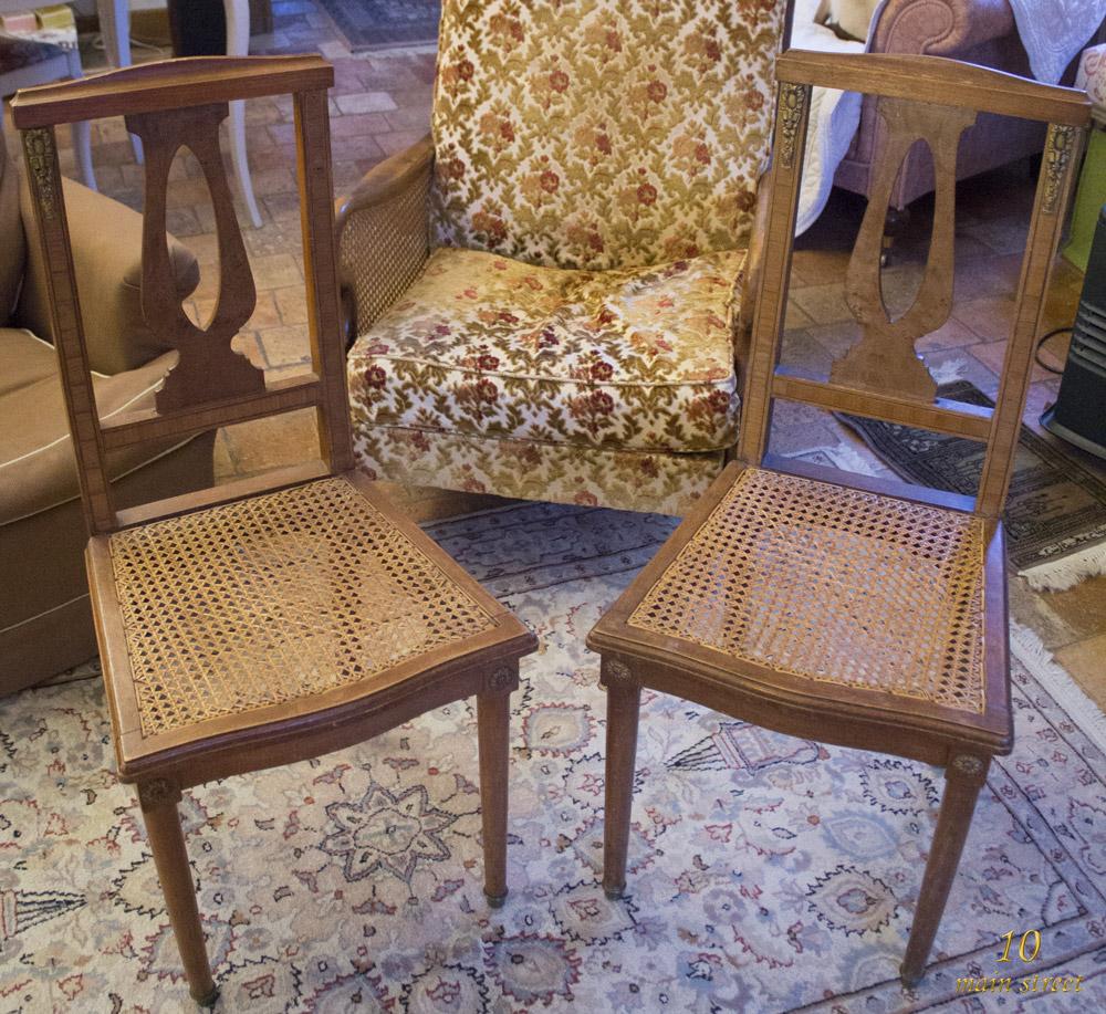 chaises cannées à dossier lyre