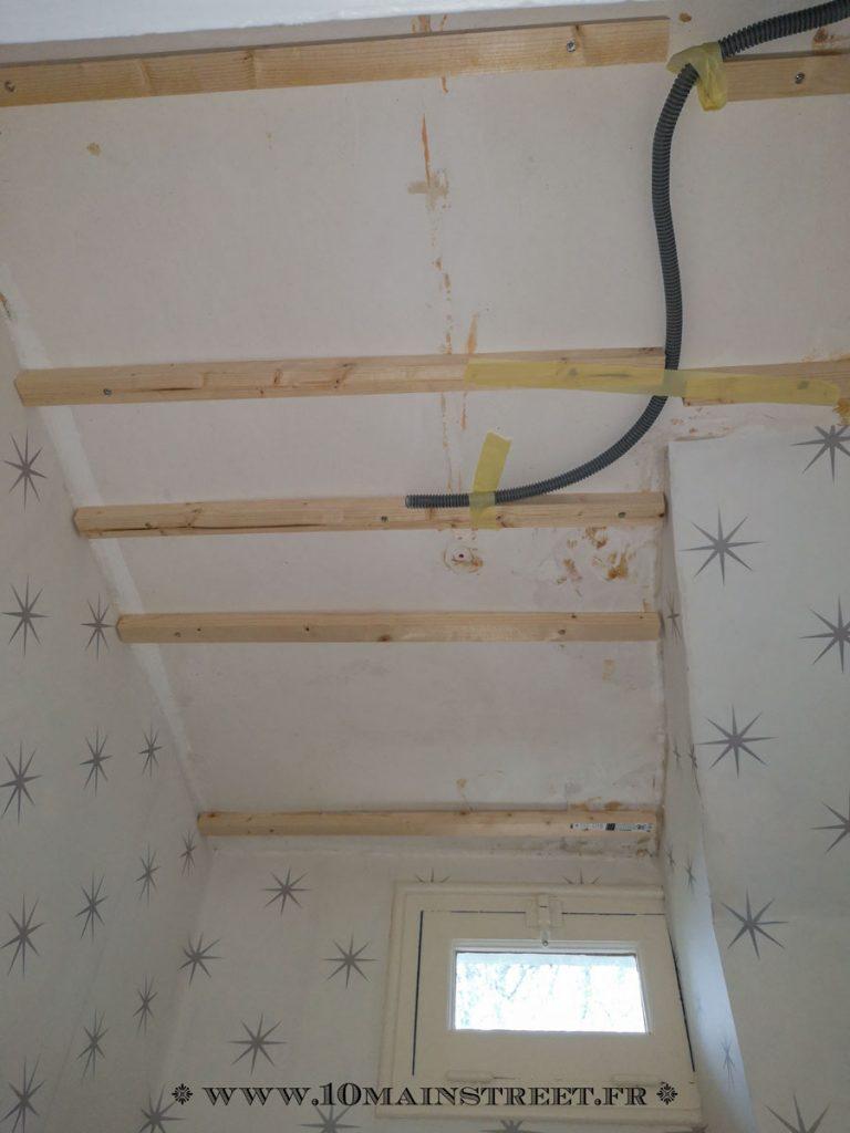 Pose de lambris PVC sur plafond dégradé