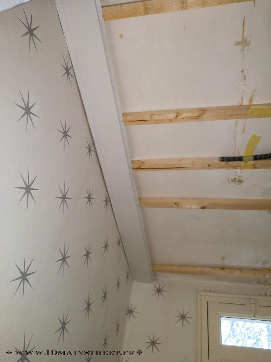 Le lambris PVC : une option pour plafonds dégradés - 20 Main Street