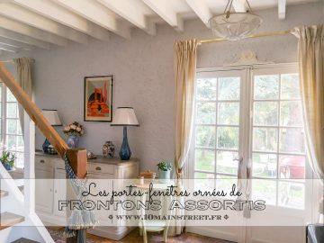 Frontons assortis pour les portes-fenêtres de la terrasse