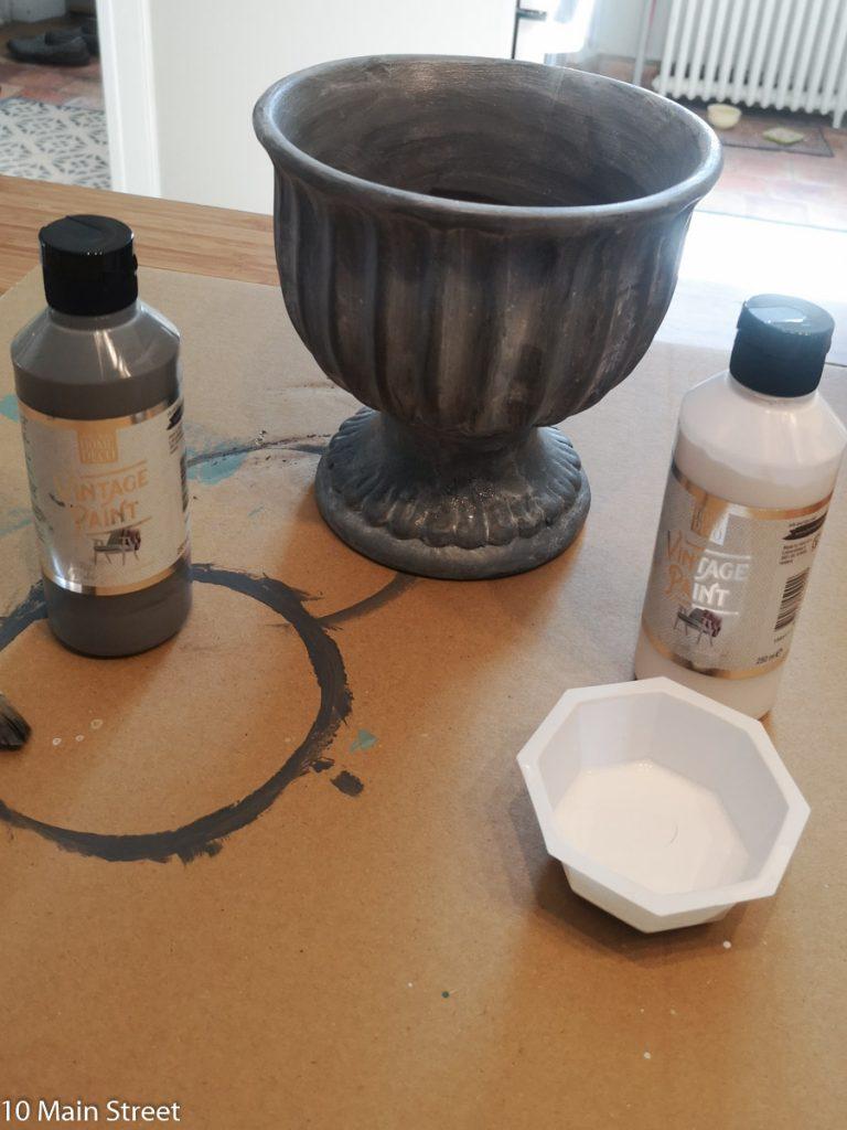 Patine blanche obtenue avec la Vintage paint Action utilisée en glacis