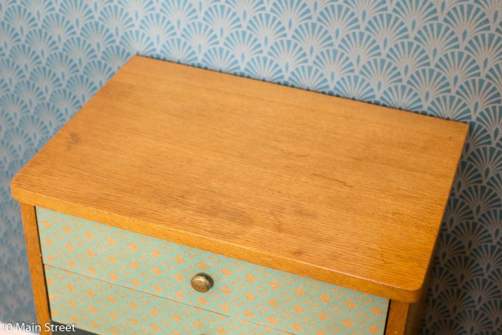 Plateau du meuble vintage rénové