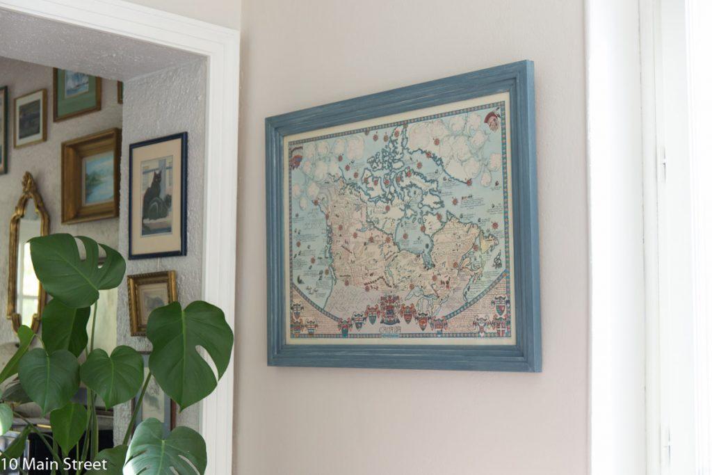 Le cadre de la carte du Canada relooké en bleu
