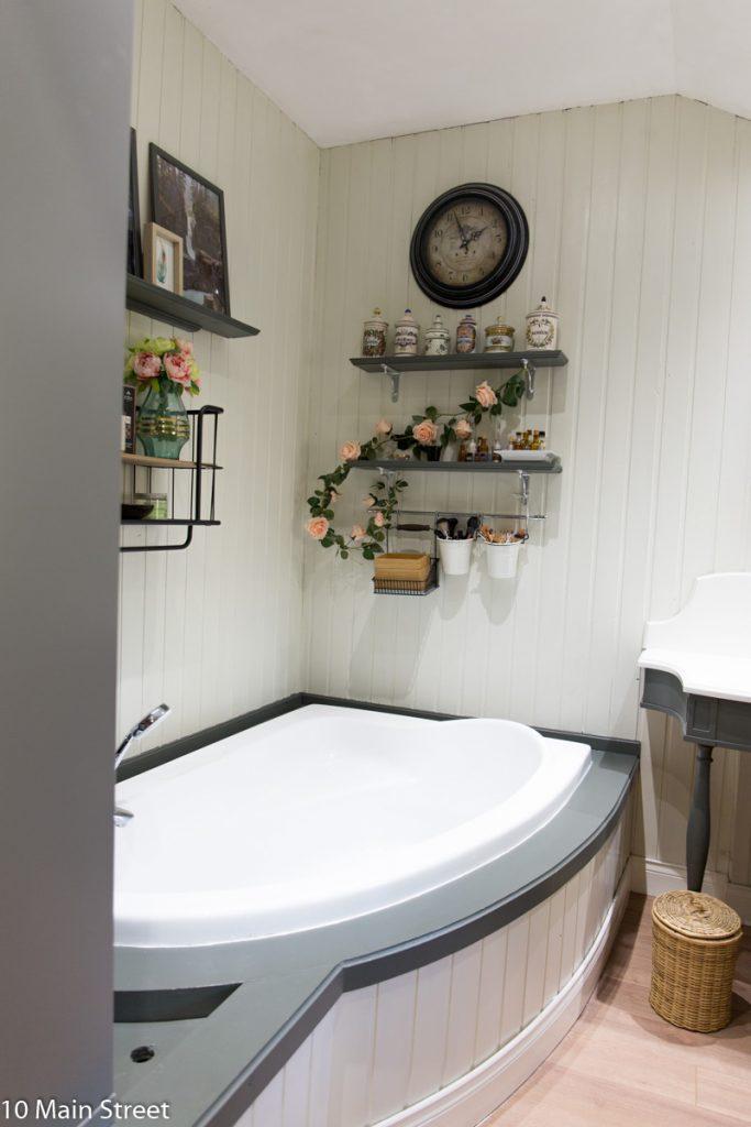 Parquet stratifié dans la salle de bain