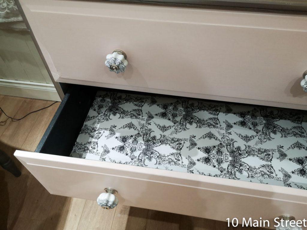 Décoration de l'intérieur des tiroirs de la commode