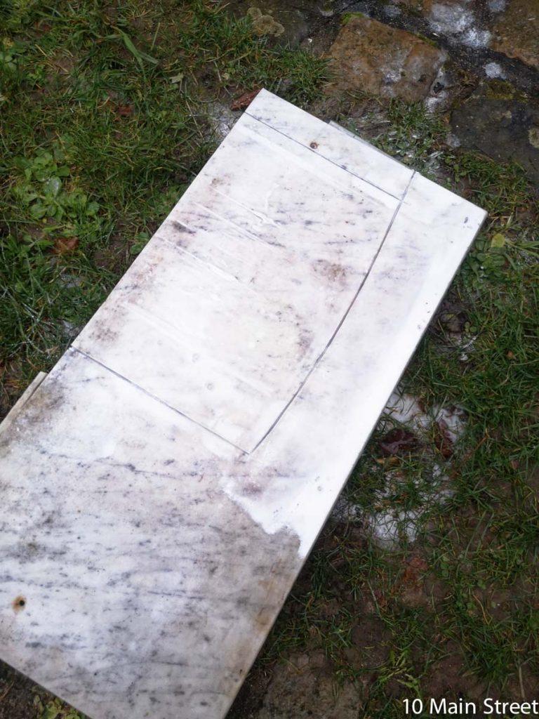 Découpe de la plaque de marbre